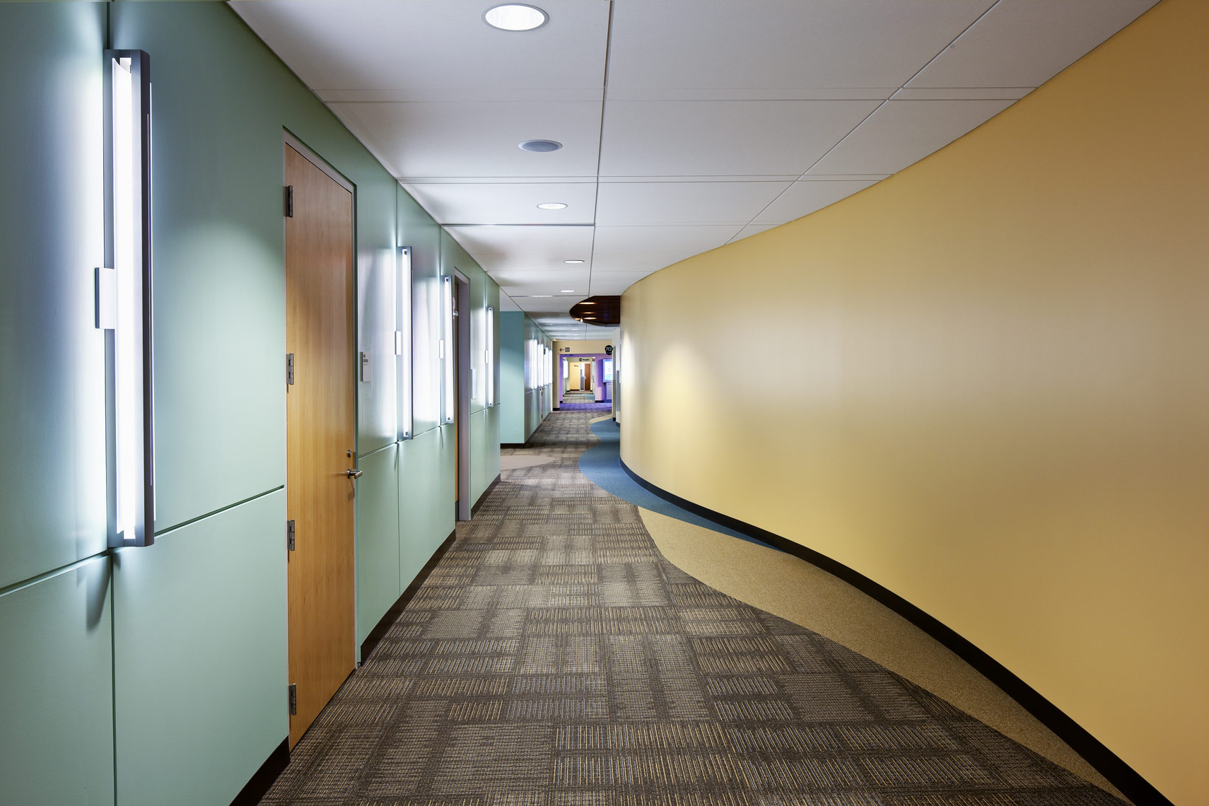 Architectural photograph of a health care facility interior by Dan Poyourow