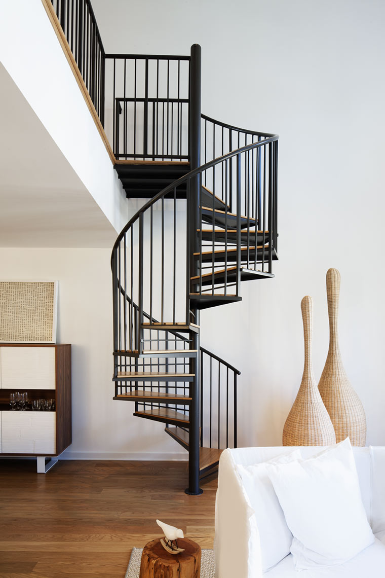 architectural photograph of a residential interior staircase by Dan Poyourow