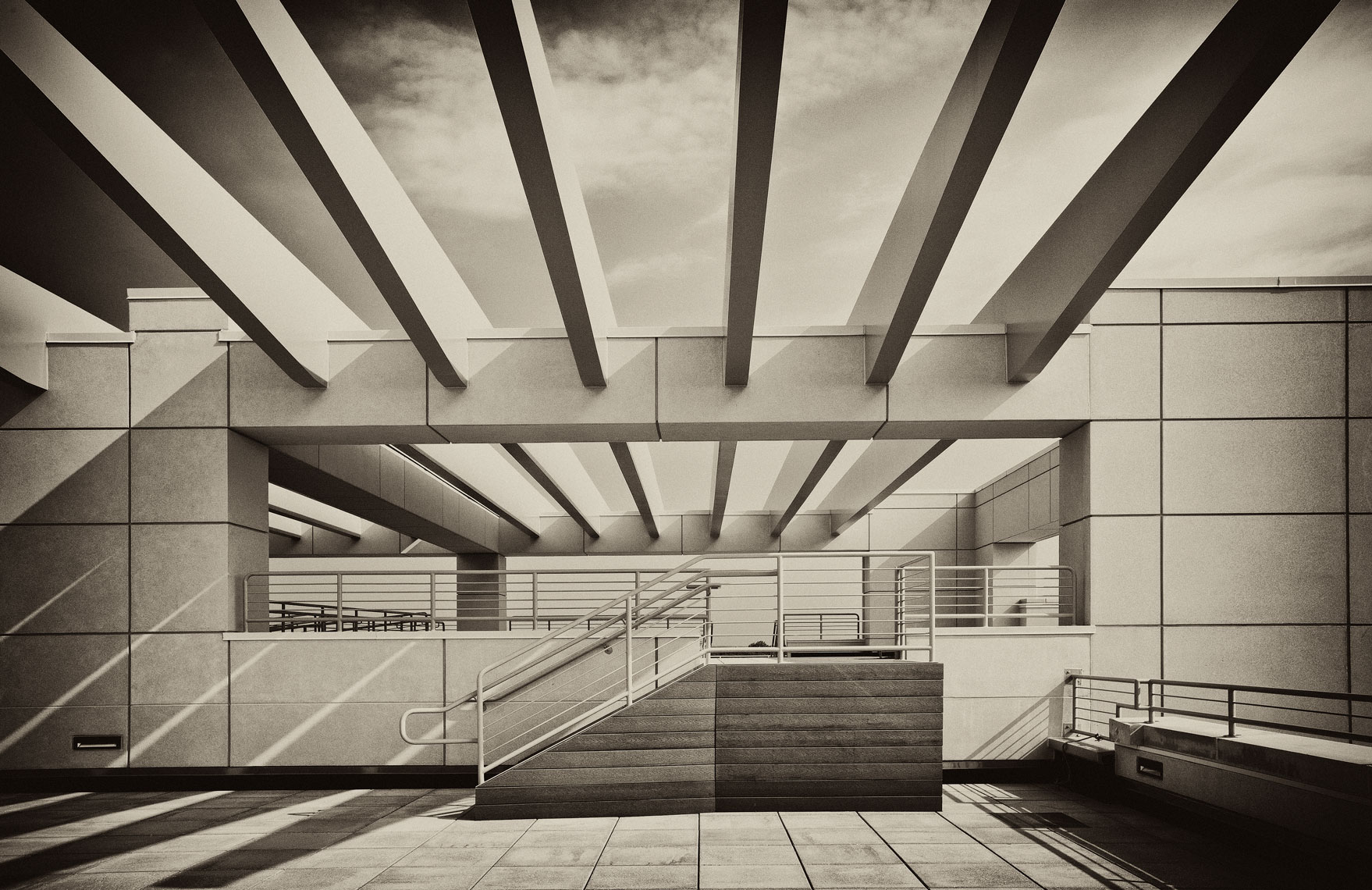 architectural photograph of an office bldg roof top sitting area